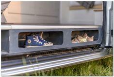 60+ Simple but Cozy Camper Van Interior Ideas - The Urban Interior Conversion Vans For Sale, Van Conversion Interior, Sprinter Van Conversion, Camper Van Conversion Diy, Van Mercedes, Mercedes Benz Sprinter, Volkswagen, Vw T4, Camper Storage