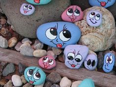 We Originals - Original Stock Photography - Painted Rock Cactus, Painted River Rocks, Painted Rocks Craft, Rock Painting Patterns, Rock Painting Ideas Easy, Rock Painting Designs, Pebble Painting, Pebble Art, Stone Painting