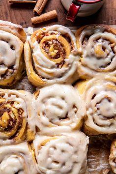 Brunch Recipes, Fall Recipes, Breakfast Recipes, Dessert Recipes, Brunch Ideas, Breakfast Ideas, Sweet Recipes, Baking Recipes, Apple Cinnamon Rolls