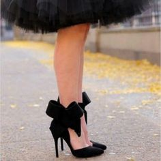 Image Via: Atlantic-Pacific.This is a 'just because' Pin.the bow on the shoes, tulle petticoats peeking out from under a prim skirt would work for a party, cocktails or the theatre. Zalando Shoes, Mode Lookbook, Looks Party, Mode Shoes, Bow Heels, Fab Shoes, Women's Shoes, Louboutin Shoes, Christian Louboutin