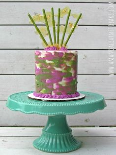 Pink and green camouflage buttercream tutorial. Plus a bonus fancy cake topper!