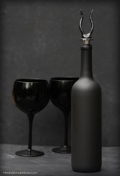 A Gothic Wine Bottle and Stopper - Black Horn Wine Stopper - Goth DIY - Goth It Yourself - www.MeandAnnabelLee.com