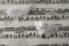 Vlinders wit kant (2 stuks)