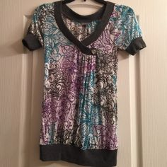 Daytrip Blouse Daytrip Blouse size small good condition. Only worn a couple of times BKE Tops Blouses