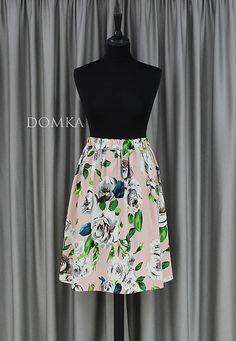 Dámska letná bledoružová kvetovaná sukňa s pásom na gumu. Materiál veľmi príjemný a mäkký (bavlna / elastický) Veľkosť: UNI pás: od 60 do 80 cm dĺžka: 60 cm Materiál: 100 % bavlna Waist Skirt, High Waisted Skirt, Ballet Skirt, Skirts, Design, Fashion, High Waist Skirt, Moda, La Mode