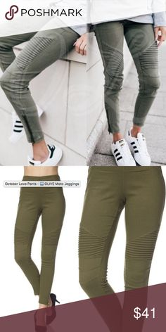 """Olive Green MOTO Jeggings Size S/M Stretchy, zipper ankle moto jeggings in a dark olive green color- best matches the second photo.  A cotton, nylon and spandex blend.  Size Small Medium measures unstretched Waist 25"""" Hips 31"""" and Length 37"""".  These have a lot of stretch for jeggings!  From our clean, smoke free home! New Mix Pants Leggings"""