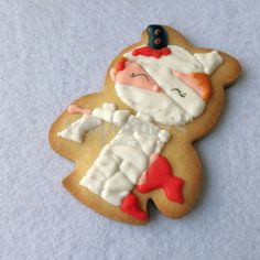 Mummy decorated cookie