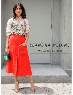 """Nossa musa de estilo de hoje é um pouco controversa, seu estilo é daqueles """"ame ou odeie"""", sem meio termo. E por isso mesmo que Leandra Medine é nossa musa."""