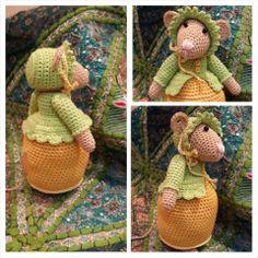 Crochet Mouse, Cute Crochet, Crochet Crafts, Crochet Dolls, Knit Crochet, Amigurumi Toys, Amigurumi Patterns, Knitting Patterns, Crochet Patterns