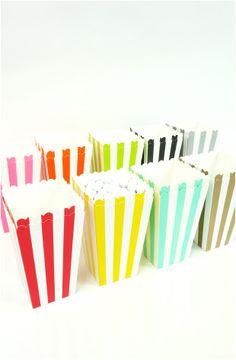 Boîtes Popcorn ou Bonbons en Carton à Rayures en rose, rouge, orange, jaune, vert, bleu turquoise, noir, doré ou argenté