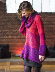 Colourful knit with asymmetric hem