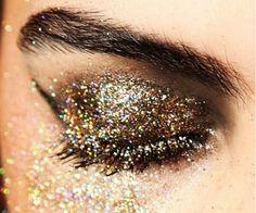 Sparkly eyes. #glitteron