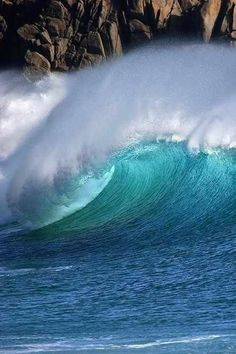 Share with me the Love of the Ocean Beach Surf Catch a Wave Barrel Big waves No Wave, Beautiful Ocean, Amazing Nature, Beautiful Beaches, Water Waves, Sea Waves, Sea And Ocean, Ocean Beach, Surf Mar