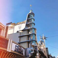 he Grove of Beverly Hills ou un centre commercial en plein air inspiré de l'architecture Disney 💕 . . . . . . . #thegrove #beverlyhills