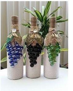 icu ~ Large wine bottle painted a light purple. - Wijnflessen decoreren, Wijnfleswerkjes en Beschilderde wijnflessen ~ Large wine bottle painted a light purple. Glass Bottle Crafts, Wine Bottle Art, Painted Wine Bottles, Diy Bottle, Decorative Wine Bottles, Cork Crafts, Diy Crafts, Wrapped Wine Bottles, Wine Bottle Wrapping