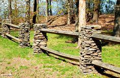 Cerco con postes de piedra 2