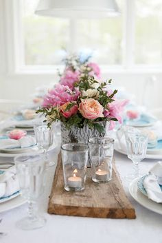 We're in love with this beautiful outdoor California wedding at the Verandas Beach House. Beautiful Table Settings, Wedding Table Settings, Mod Wedding, Dream Wedding, Wedding Decorations, Table Decorations, Partys, Summer Parties, California Wedding