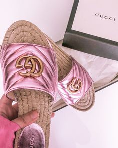 Pink gucci sandals for summer! Gucci espadrille, Gucci espadrilles, Gucci espadrille sandals, Gucci sandal, Gucci sandals, cute summer sandals, pink sandals, designer sandal, designer sandals, Gucci metallic #gucci #guccisandals #guccishoes Miami Fashion, Luxury Fashion, Best Travel Sandals, Beach Vacation Outfits, Best Fashion Blogs, Fall Booties, Comfortable Sandals, Love Her Style, Walking