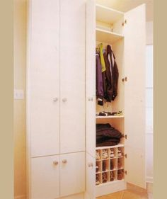 We will help create just what you need to conquer the clutter in every area of the home including laundry rooms, mud rooms, utility rooms, playrooms and even the all-purpose room that doubles as a guest room.