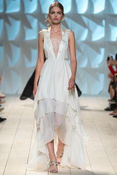 Spring 2015 Ready-to-Wear Nina Ricci
