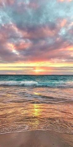 58 Ideas for travel pictures beach paradise Strand Wallpaper, Ocean Wallpaper, Summer Wallpaper, Iphone Background Wallpaper, Beach Sunset Wallpaper, Paradise Wallpaper, Travel Wallpaper, Free Wallpaper For Iphone, Beach Sunset Painting