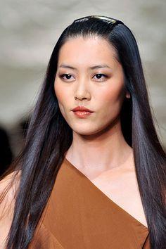 Donna Karan Spring 2014 Runway Beauty - Hair 7b4b06d76