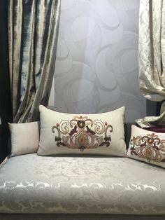 Salon marocain classe blanc cassé  – Amenda decor