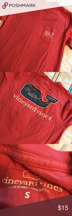Vineyard Vines Shirt Cute shirt for staying in and watching movies or going out with friends! Vineyard Vines Tops Tees - Short Sleeve