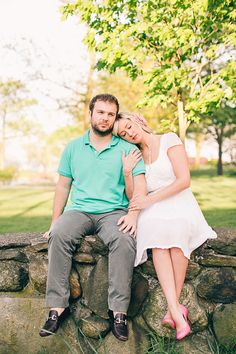 Photography: B Hull Photography - bhullphotography.com  Read More: http://www.stylemepretty.com/2014/05/19/picnic-engagement-session/