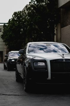 Fleet of Rolls Royce Ghosts Auto Rolls Royce, Voiture Rolls Royce, Rolls Royce Motor Cars, Bugatti, Best Car Photo, Ferrari, Porsche, Best Luxury Cars, Future Car