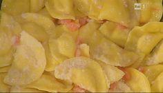 Ricette Alessandra Spisni: le mezzelune di ricotta e mortadella con pomodorini | Ultime Notizie Flash