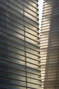 Facade of the Kursaal Auditorium in San Sebastián, Spain by Rafael Moneo Classical Architecture, Facade Architecture, Beautiful Architecture, Contemporary Architecture, Glass Texture, Tiles Texture, Facade Pattern, Building Skin, Interior Design Sketches