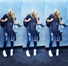 Great T, ripped jeans, necklace, white ankle boots.