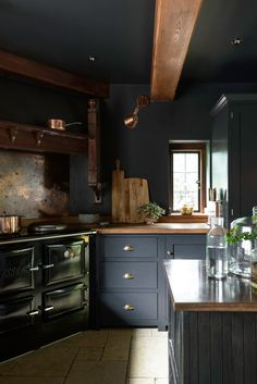 The Petersham Kitchen is Remodelista's Kitchen of the Week!! This dark and moody Petersham Kitchen really is so dreamy, the perfect cosy winter kitchen on these cold October evenings.