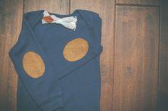 Bow tie onesie. Boy 1st birthday outfit. Clip por LindseyLeeandCo