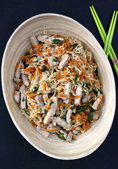 Colourful, wonderfully tasty looking Asian Pork Noodle Bowl. #noodles #pasta #Asian #pork #meat #food #cooking #carrots #dinner #meals