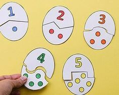 An Egg Counting Puzzle Activity with free printable including four fun, hands-on ideas to learn counting from 1 to This is perfect for Easter that's just around the corner or dinosaur and farm themes too. Preschool Learning Activities, Toddler Activities, Preschool Activities, Kids Learning, Counting Activities, Montessori Toddler, Preschool Worksheets, Dinosaurs Preschool, Numbers Preschool