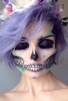 Are you looking for inspiration for your Halloween make-up? Browse around this website for cute Halloween makeup looks. Unique Halloween Makeup, Halloween Makeup Looks, Pretty Halloween, Halloween Stuff, Vintage Halloween, Scary Halloween, Skeleton Makeup, Skull Makeup, Sugar Skull Make Up