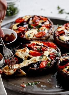 ((Add pesto))Caprese Stuffed Garlic Butter Portobellos by cafedelites: Garlic buttered Portobello Mushrooms stuffed and grilled with fresh mozzarella cheese, tomato slices and fresh shredded basil leaves and drizzled with a rich balsamic glaze. Vegetable Recipes, Vegetarian Recipes, Cooking Recipes, Healthy Recipes, Mushroom Recipes, Vegetarian Lifestyle, Vegetarian Barbecue, Grilling Recipes, Delicious Recipes