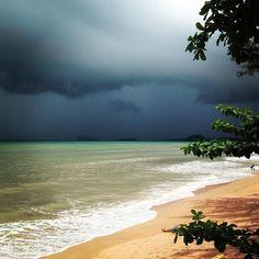Sand sea & sky #mythai #thailand #krabi #andaman #sea #storm #rain #beach #aonang #travel #nature #asia #таиланд #краби #аонанг #пляж #шторм #тай #тайланд by staryjsaid