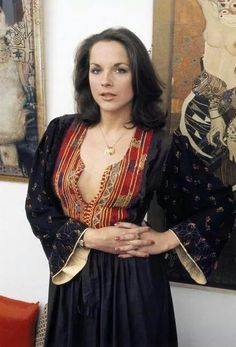 Mary Tamm, played Romana on Doctor Who as a female Time lord from Mary Tamm, Original Doctor Who, Gal Gabot, Doctor Who Companions, Rory Williams, Beautiful Actresses, Fashion Models, Beautiful Women, Celebrities