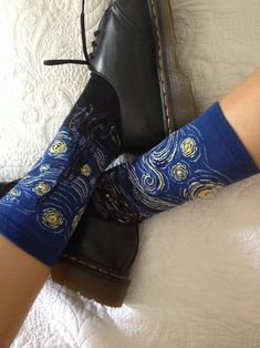 i just bought the same socks a week ago - i love them so much ^_^ #vangogh #sternennacht #vangoghstars