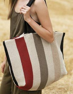 Best 12 Ravelry: Bag pattern by Fil Katia Crochet Shell Stitch, Crochet Tote, Crochet Handbags, Crochet Purses, Bead Crochet, My Bags, Purses And Bags, Summer Bags, Spring Summer