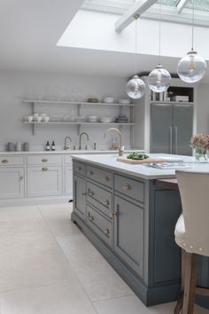 Victorian Family Home - Classic Contemporary Open Plan Kitchen - Humphrey Munson. Victorian Family Home - Classic Contemporary Open Plan Kitchen - Humphrey Munson Kitchens