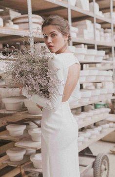 La nueva colección de novia de Cherubina, Porcelaine - Las bodas de Tatín Perfect Wedding, Wedding Ideas, Wedding Dresses, Fashion, Simple Gowns, Templates, Female Silhouettes, Simple Wedding Gowns, Sleeve Types