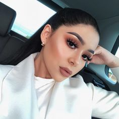 37 Casual Natural Prom Makeup Looks to Inspire You Prom - Maquillaje Glam Makeup, Skin Makeup, Makeup Inspo, Makeup Inspiration, Makeup Ideas, Makeup Brushes, Beauty Make-up, Beauty Hacks, Hair Beauty