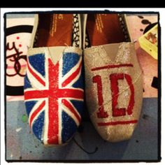 One direction toms:)