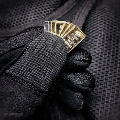 - EDC: Micro Gold Bars in Your Wallet -