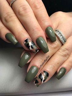 Nails gel, we adopt or not? - My Nails Military Nails, Army Nails, Green Nail Art, Green Nails, Peach Nails, Perfect Nails, Gorgeous Nails, Stylish Nails, Trendy Nails