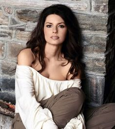 Shania Twain: country pop singer ~ debuted 1993. Her album Come On Over is the best-selling album in the history of country music.